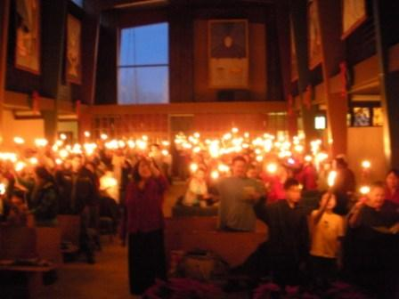 Candlelight-Service-at-TUMC1.jpg